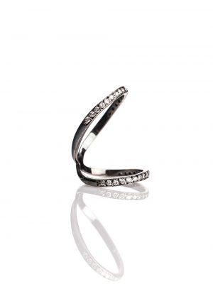 Anel duplo vazado em ouro branco com ródio negro e 36 pontos de diamantes