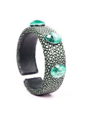 Pulseira de prata com ródio negro, com Goulash verde e esmeraldas