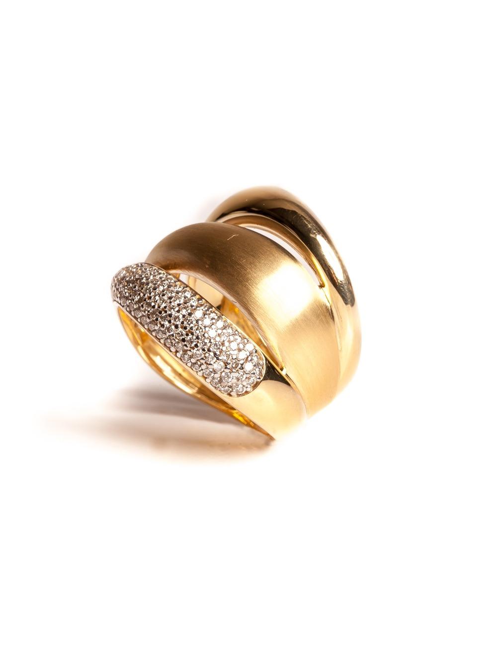 Anel 3 fios em ouro amarelo 18k com 57 pontos de diamantes